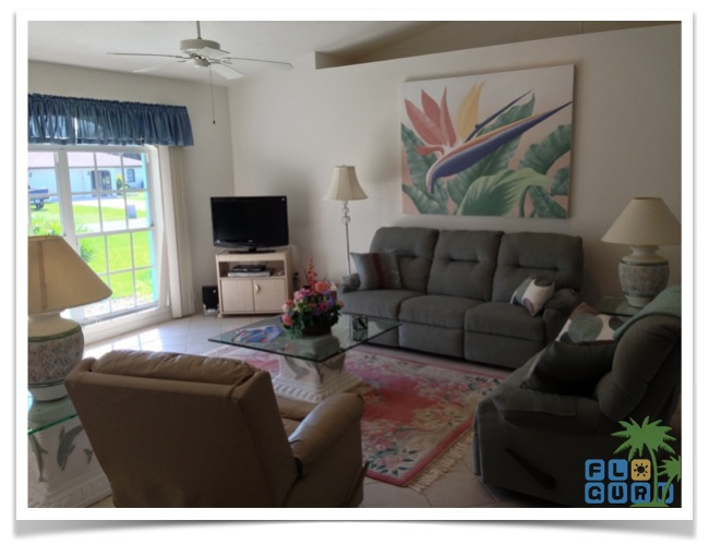 """Florida Ferienhaus in Lehigh Acres """"Alisha"""" mit Blick in das Wohnzimmer"""