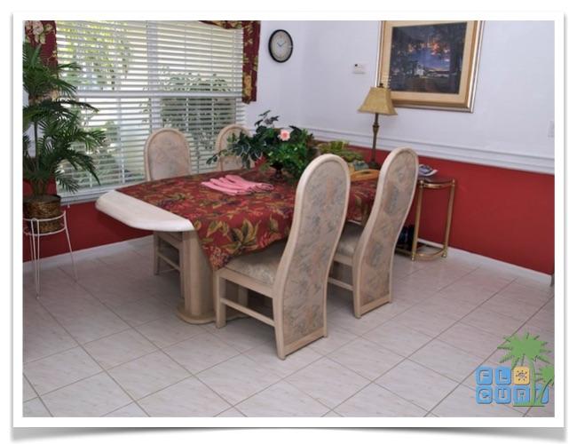 """Florida Ferienhaus in Lehigh Acres """"Causeway"""" mit Blick in den Essbereich"""