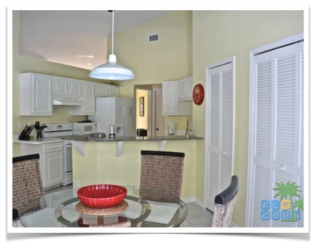 Florida-Ferienhaus-Lehigh-Acres-PalmGarden-04-Kueche