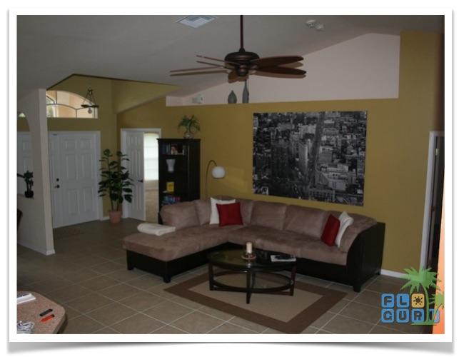 Florida Ferienhaus Rixey in Lehigh Acres mit Blick in das Wohnzimmer