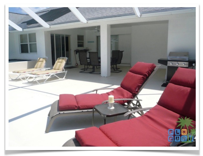 Florida Ferienhaus Paradise Cove in Lehigh Acres mit Blick auf die Terrasse
