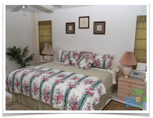 Florida Ferienhaus Sunshine in Lehigh Acres mit Blick in das Schlafzimmer