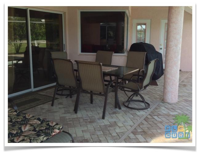 Florida Ferienhaus Sunshine in Lehigh Acres mit Blick auf die Terrasse