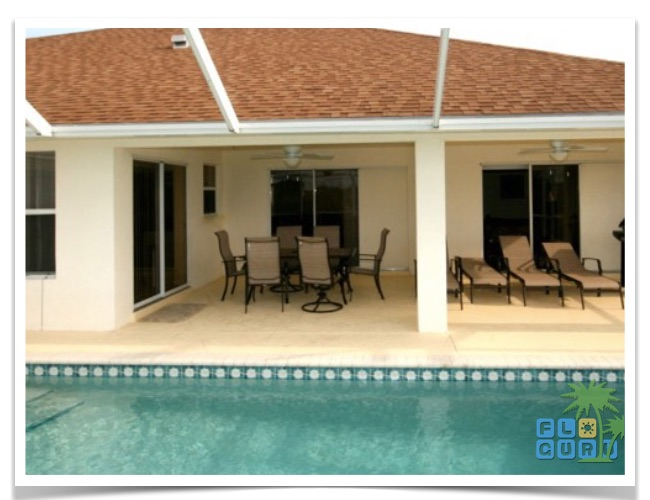 Florida Ferienhaus Bougainvillea in Cape Coral mit Blick auf die Terrasse