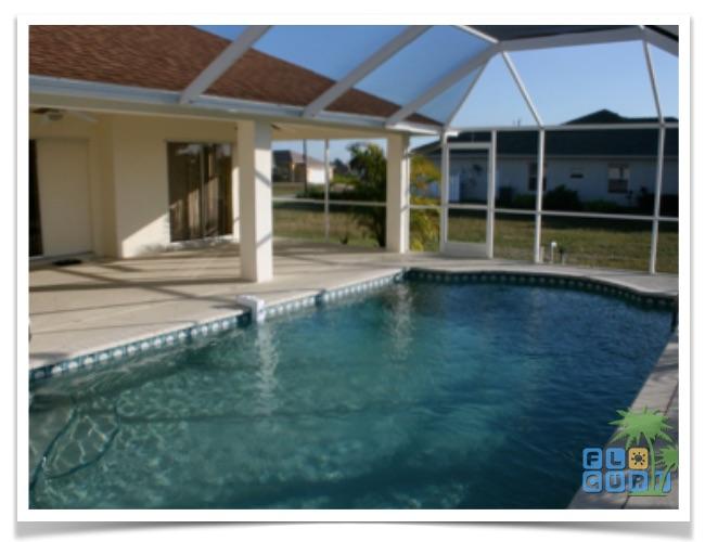 Florida Ferienhaus Bougainvillea in Cape Coral mit Blick auf den Pool