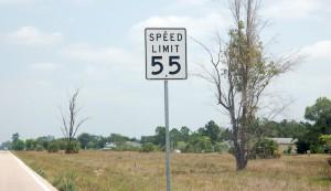 Ein Beispiel für ein Speed Limit Schild in den USA