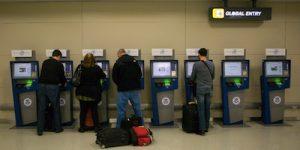Einwanderung USA - Global Entry Automaten helfen die Einwanderung in die USA zu beschleunigen.