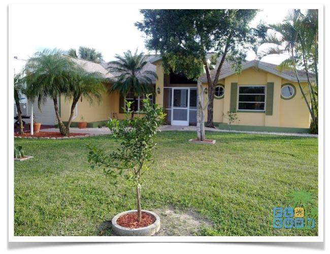 Florida Ferienhaus Causeway in Lehigh Acres Blick auf die Hausfront