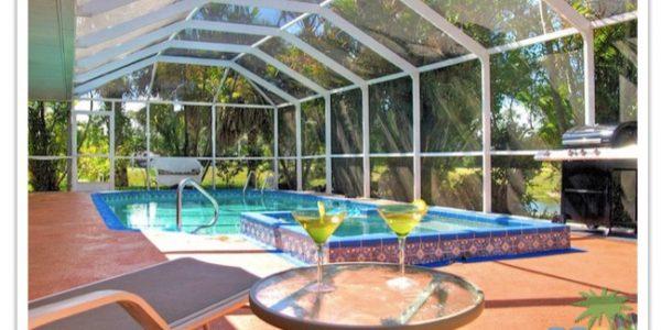 """Florida Ferienhaus in Lehigh Acres """"Causeway"""" mit Blick auf den Pool"""