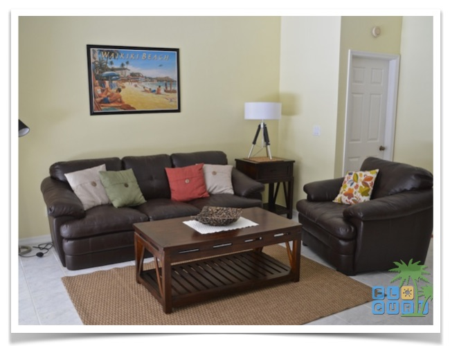 Florida-Ferienhaus-Lehigh-Acres-PalmGarden-03-Wohnzimmer