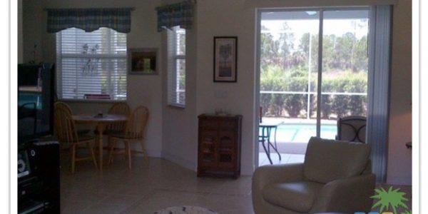 Florida Ferienhaus Rita in Lehigh Acres mit Blick in den Wohnbereich