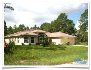 Florida Ferienhaus Rixey in Lehigh Acres mit Blick auf die Hausfront