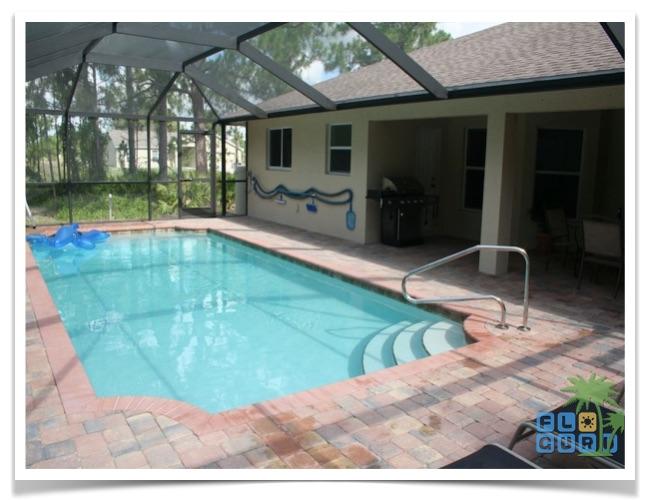 Florida Ferienhaus Rixey in Lehigh Acres mit Blick auf den Pool